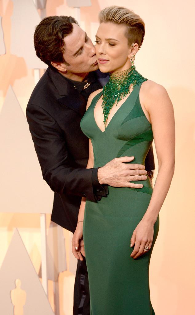 rs_634x1024-150222174249-634.Scarlett-Johansson-John-Travolta-Oscars.ms.022215[1]